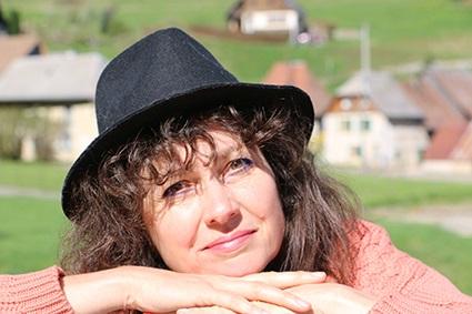 Sylvie Tournon - Hypnose Ericksonienne, Magnétisme, Soins esséniens, Coupeur de feu, soins énergétique à Grenoble et en Chartreuse